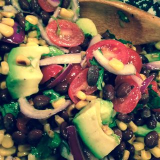 Roasted_corn_avocado_tomato_salad
