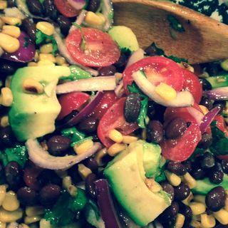 Roasted_corn_avocado_tomato_salad